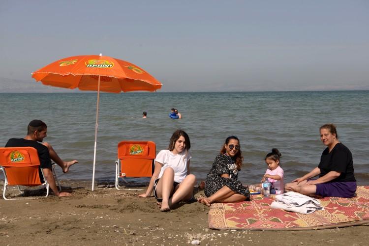 חוף בכנרת