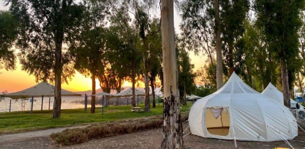 אוהל עם מזגן בכנרת